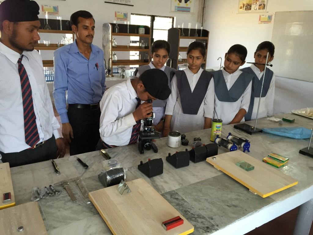 Science Lab 03